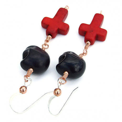halloween skull and crosses earrings.