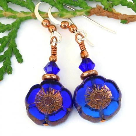backside of blue flower earrings