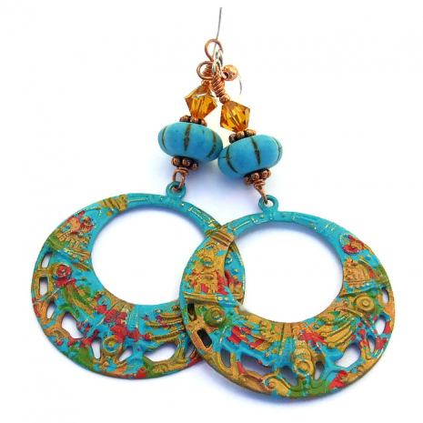 Coachella hoop earrings.