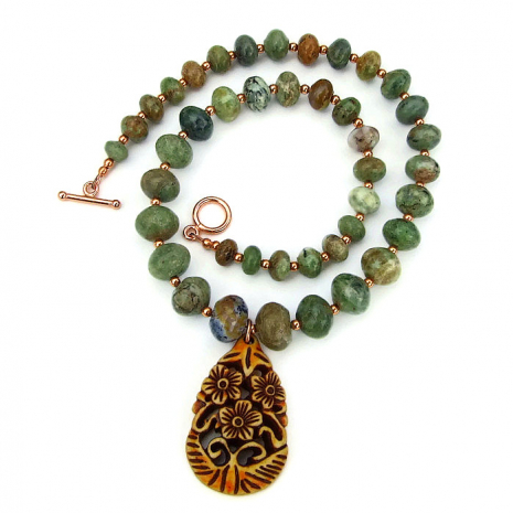 Flower pendant and gemstone necklace for women