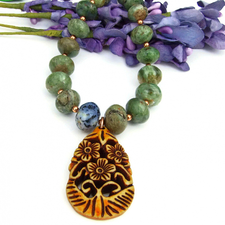 Flower pendant and gemstone jewelry for women