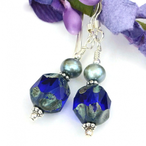 Czech glass and pearls earrings.