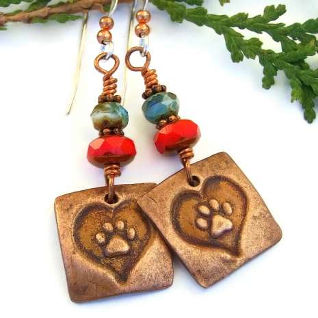 dog cat paw print earrings with hearts