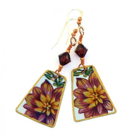 Flower jewelry.