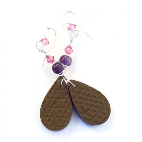 Floral earrings.
