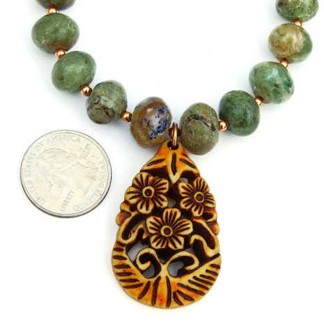 Flower pendant and gemstone jewelry