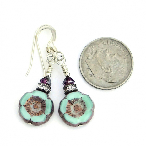 Flower jewelry gift idea for women.