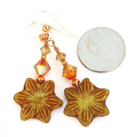 Artisan handmade flower jewelry for women.
