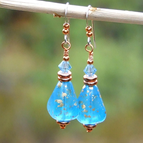 glowing capri caribbean blue pyramid jewelry with crystals