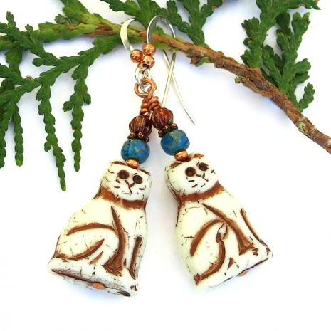 ivory and brown cat jewelry with teal and red