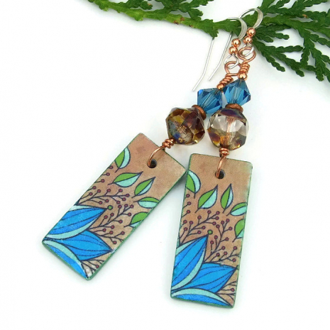 Handmade leaf earrings for women.