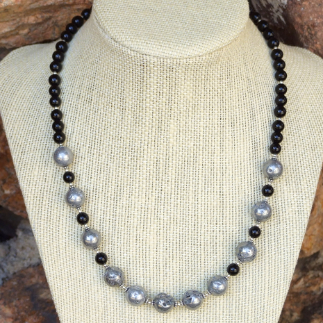 Druzy necklace for women.