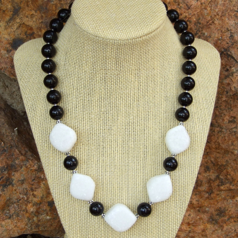 Elegant, chunky handmade white quartzite and black jade necklace.