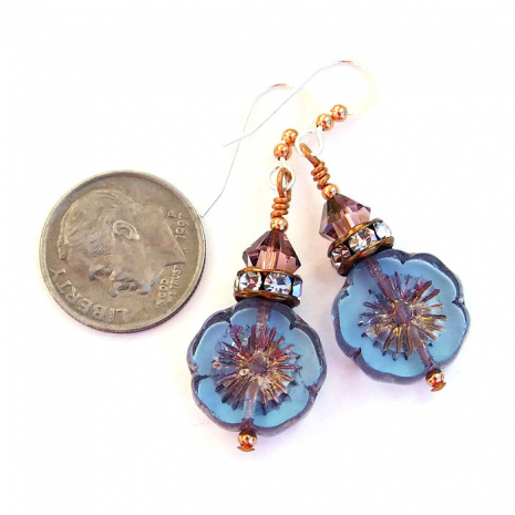 Spring and summer flower earrings.
