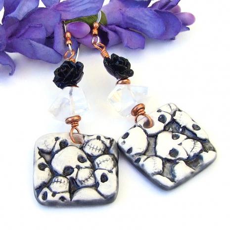 skull skulls earrings black white halloween day of the dead
