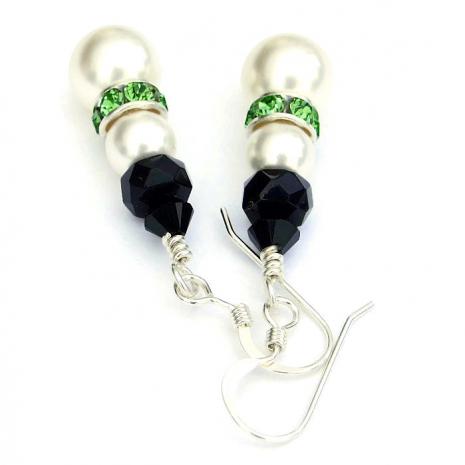 Holiday snowmen earrings for Christmas.