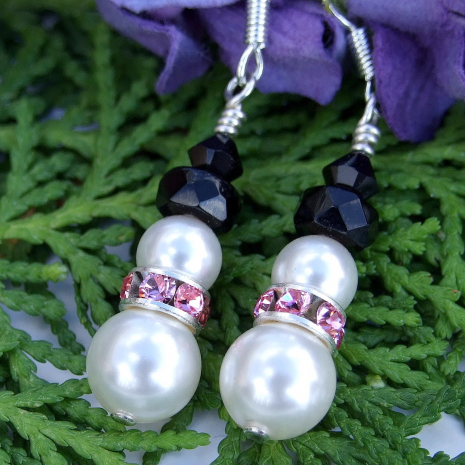 swarovski pearls christmas snowmen earrings with pink collars