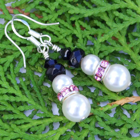 Snowmen earrings with pink collars - holiday gift idea.