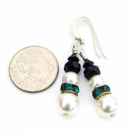 Perfect Christmas gift idea: handmade snowmen earrings.