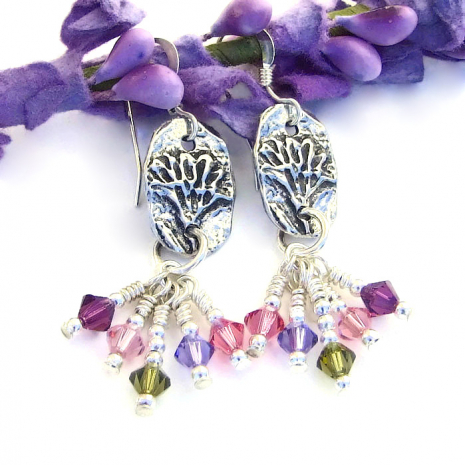 Sparkling flower earrings for women.