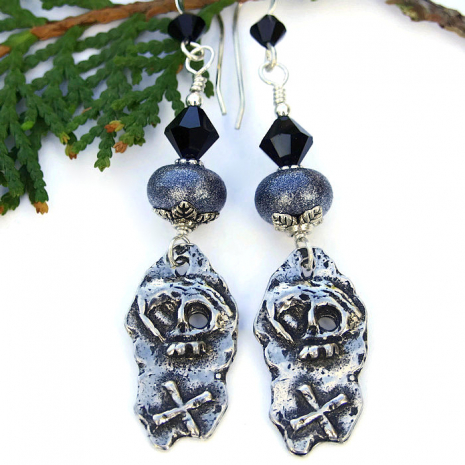Skull and crossbones earrings for Dia de los Muertos.