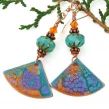 Boho chic fan earrings.