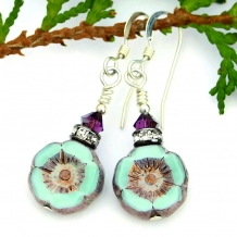 Flower earrings.