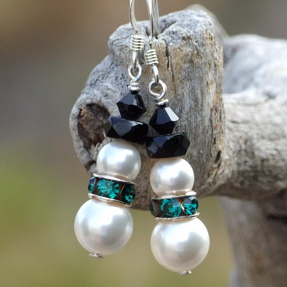 Christmas Snowmen Holiday Earrings, Pearls And Green Swarovski Handmade  Beaded Jewelry
